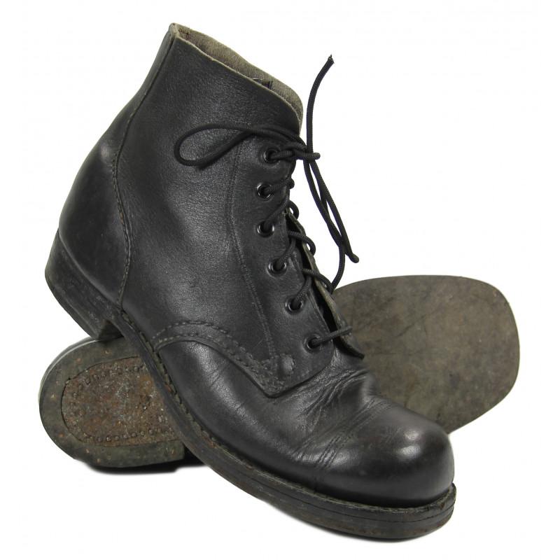 Boots, Ammo, Combat, British, 1944