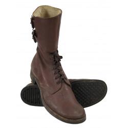 Brodequins à jambières (buckle boots), 12 A