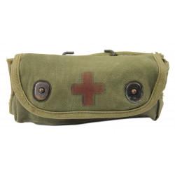 Pochette à grenade transformée en pochette à pansement