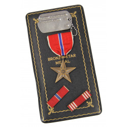 Dog tag, US, Robert M. Schneider, 9th Infantry Division