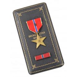 Coffret médaille, Bronze Star, Pvt. Lloyd Olson, 33rd Arm. Reg., 3rd Arm. Div., DOW 2 août 1944, Normandie
