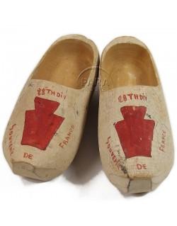 Clogs, souvenir, 28th ID