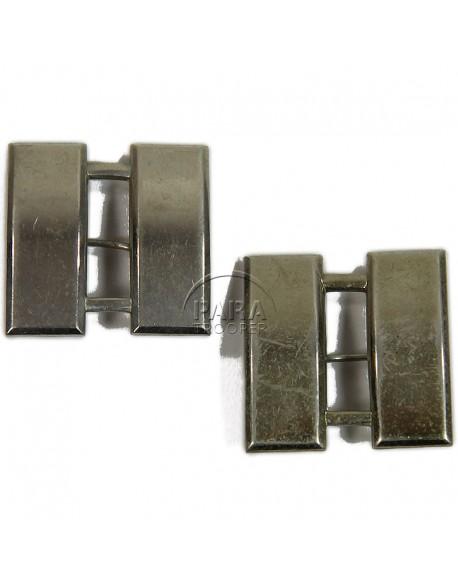 Paire de grades en métal de Capitaine, Meyer Inc.