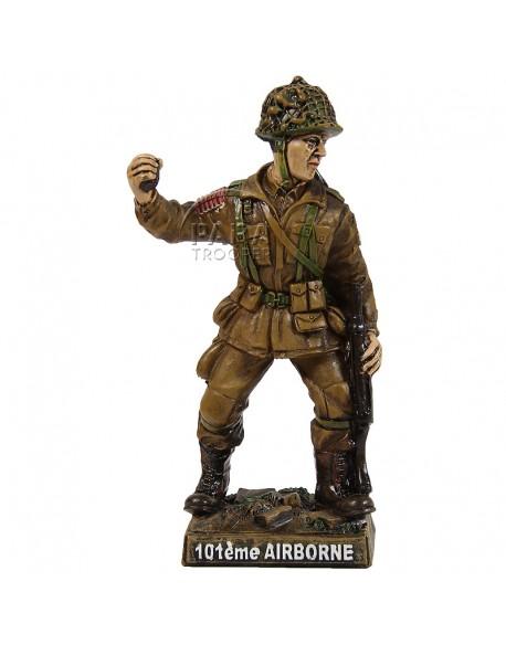 "Statue 101st Airborne, ""Screaming Eagle, June 1944"