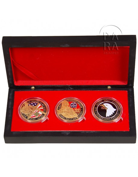 Box, 3 coins, commemoratives