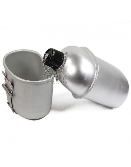 Canteen and cup, US