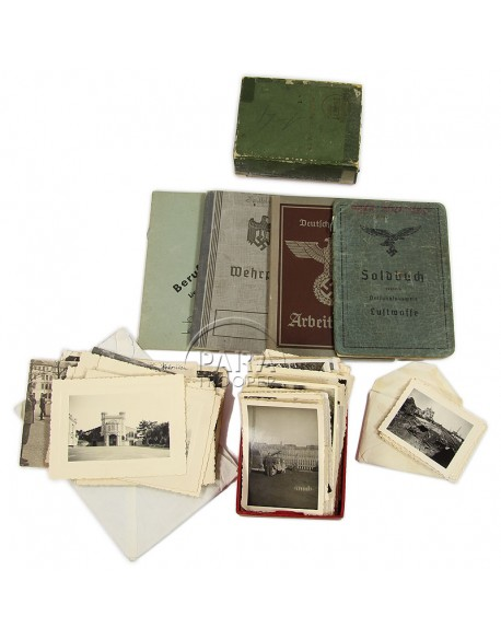 Grouping, Photographs and booklet, German