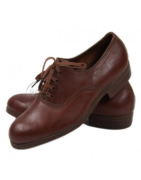 Chaussures basses en cuir pour femme