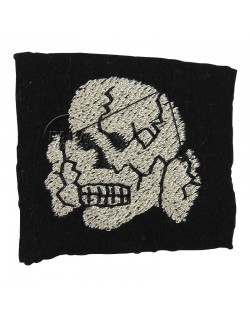 Insigne tête de mort, laine