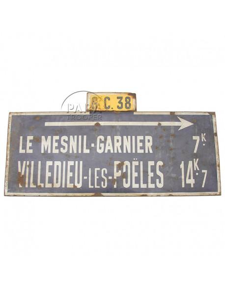 Panel sign, Le Mesnil-Garnier / Villedieu-les-Poeles, CG38, 1944