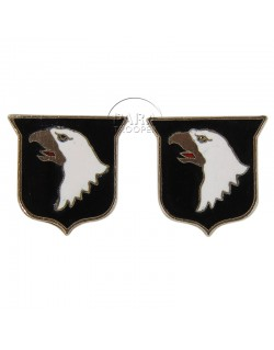 Pair of Distinctive Insignias, 101st AB Div., gold plated 18k