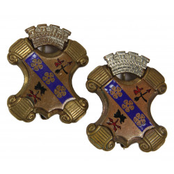 Pair of Distinctive Insignias, 8th Inf. Rgt., 4th ID