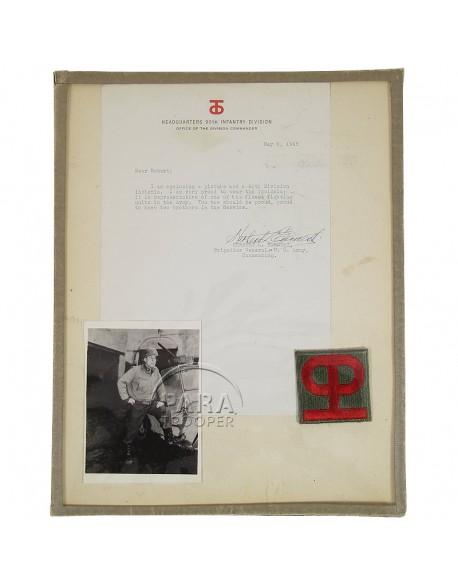 Insigne et autographe, Général Earnest, 90th Inf. Div.